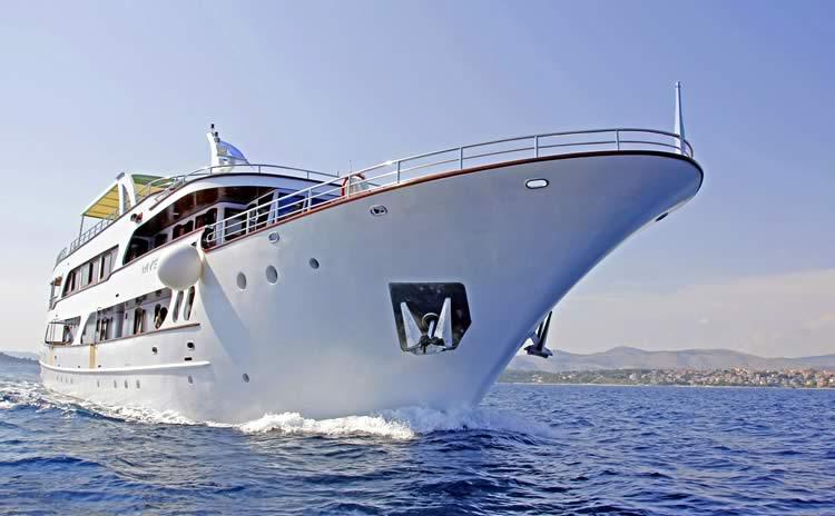 Motor yacht MY Mystic | Croatia cruises ex Port Trogir